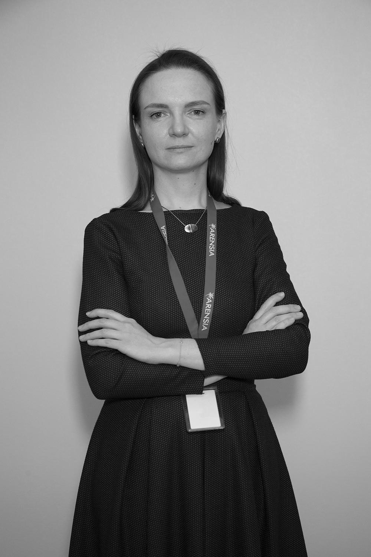 Олена Кірілова